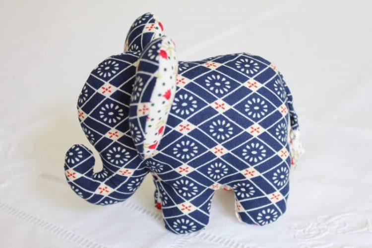 Doudou éléphant, patron à coudre